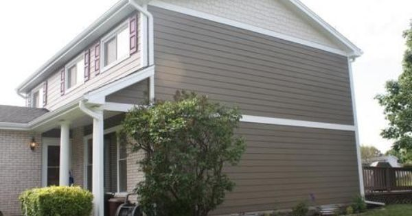James Hardie Timber Bark With Sandtone Shake And Artic White Belly Band Exterior House Remodel Exterior House Renovation House Exterior
