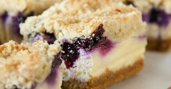 Blueberry crumble, Cheesecake bars and Blueberries on Pinterest