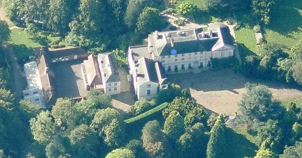 Queen Noor Of Jordan And Her Home In Windsor Buckhurst
