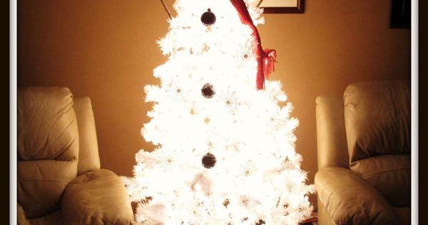 Snowman Christmas Tree. White Pre-Lit Christmas Tree