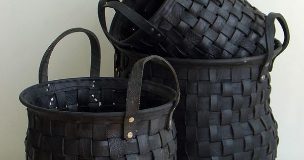 .I want these black baskets....