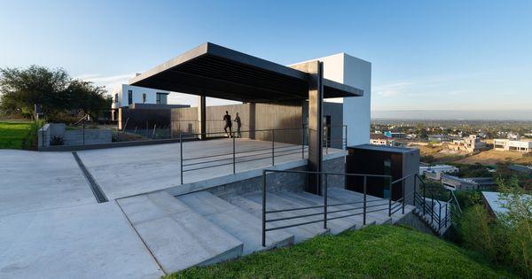 Galeria De Casa En La Cuesta Abdenur Arquitectos 14 In 2020 House Carport Designs Architecture