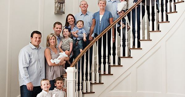 LOVE the color scheme of this family photo shoot: white, gray and