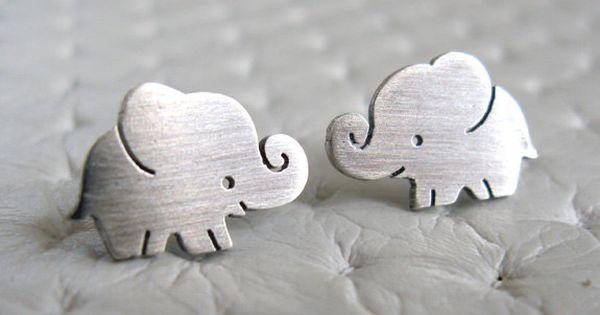 Very cute elephant stud earrings