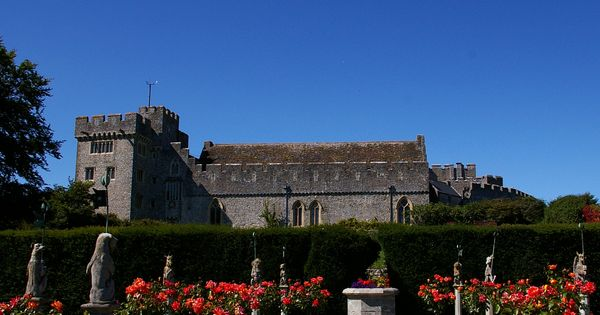 Weddings At St Donat S Castle House Styles Castle Mansions