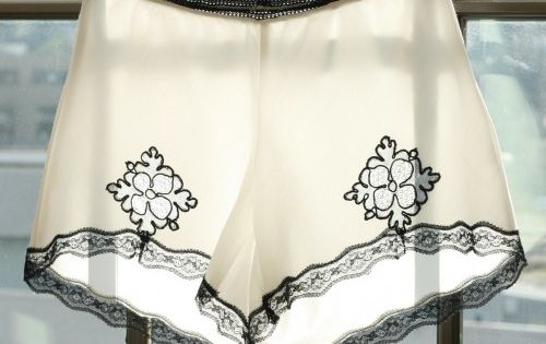 diy lace knickers -i want to make these sew bad (haha), but