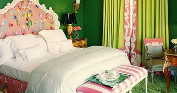 The Decorista-Domestic Bliss: Wallcolor Wednesday: A pretty little green room...