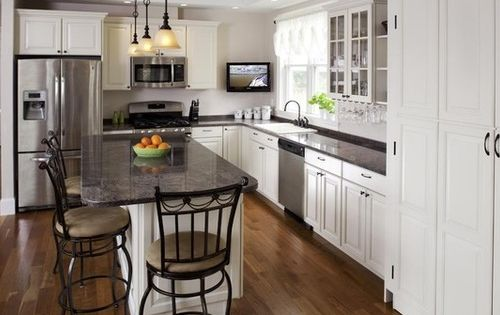 Traditional Kitchens Small White L Shaped Kitchen Layouts