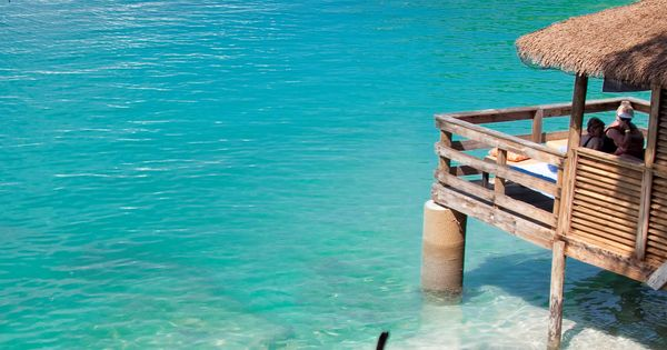 Explore The Beauty Of Caribbean: Reserving A Private Cabana Will Truly