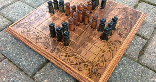 Hnefatafl game viking chess king 39 s table by for Viking outdoor