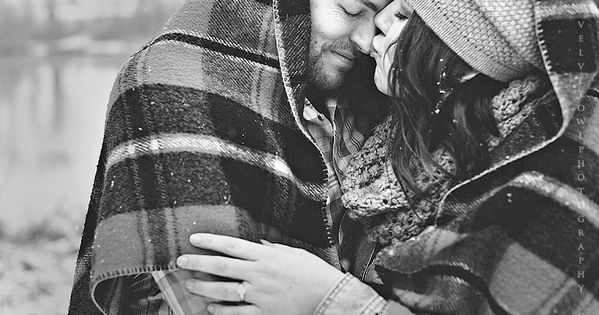 winter engagement session \/ Snow photography\/ couples session VeLvet OwL Photography Blog