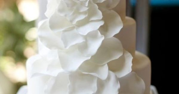 Petals for a simple, elegant cake