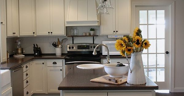 Linen white by benjamin moore kitchen pinterest for Benjamin moore linen white kitchen cabinets