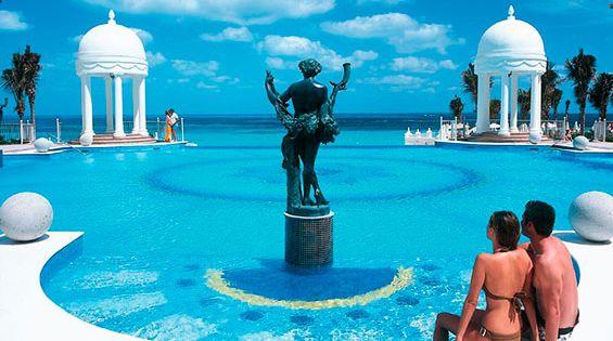 Hotel riu palace las americas piscina exterior riu for Alberca las americas