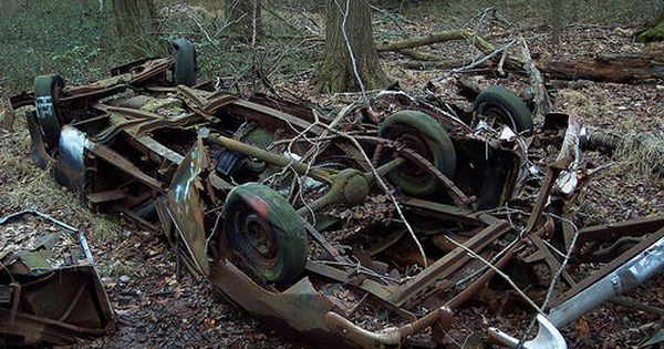 Junked Cars Found In The Woods Barn Find Cars Cool Car Pictures