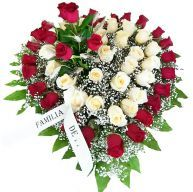 Corazón De Flores Para Difuntos Con Rosas Rosas Blancas Flores Funerarias Arreglos Florales