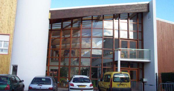 Ecole m3e maison des 3 espaces saint fons architecture for Ecole architecture interieur lyon