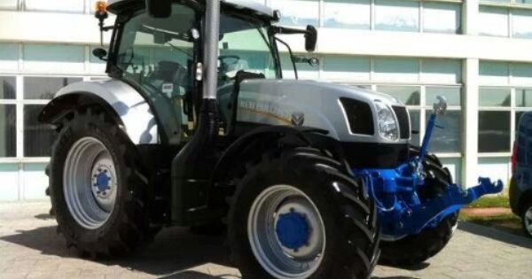 New Holland T6 Painted The Silver Jubilee Colours And Sold Off For Charity New Holland Tractor New Holland New Holland Ford
