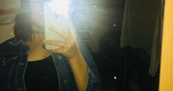 Pin By K P O P بالعربي On رمزيات خلفيات تصميم سناب عيون عشق صوره للتصميم Mirror Selfie Mirror Scenes