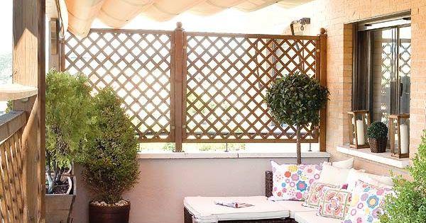 balkon einrichten sonnenschutz korbm bel kissen holzdeck. Black Bedroom Furniture Sets. Home Design Ideas