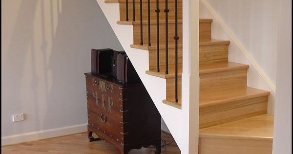 16 Elegant Traditional Staircase Designs That Will Amaze You: Basement Steps 45 Degree Turn