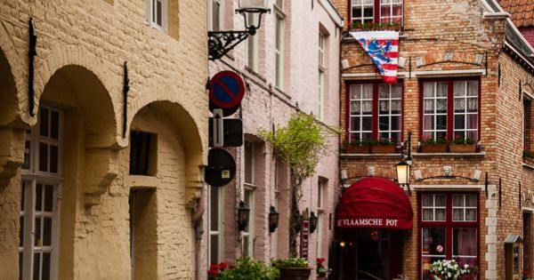 Brugge - Cafes are scattered throughout this city, many selling delicious local