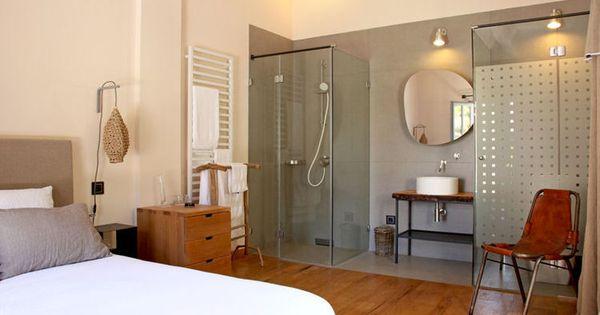 comment faire une salle de bains ouverte sur la chambre espaces ouverts de la salle et dans. Black Bedroom Furniture Sets. Home Design Ideas