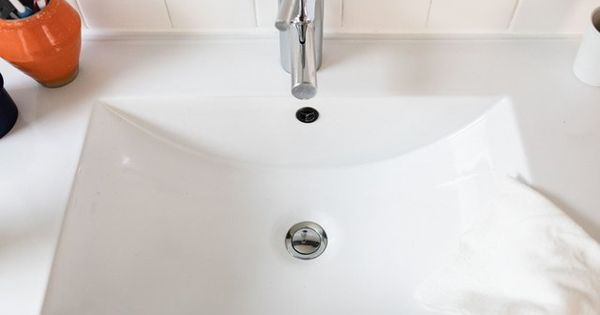 Got A Bathroom Sink Drain That Smells Here S How To Clean Sink