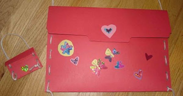 Valentine card holder made with heavy duty paper plates – Valentine Card Holders for Preschoolers