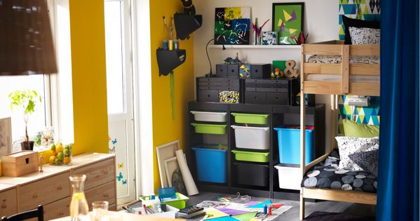 ikea kinderzimmer u a mit etagenbettgestell aus kiefer. Black Bedroom Furniture Sets. Home Design Ideas