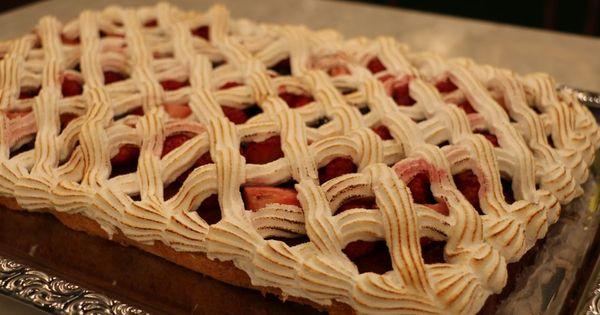 Kejser-kage er en lækker dansk opskrift af Marianne Stagetorn – La Glace fra FRIs Bageri, se ...