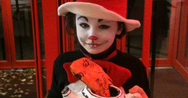 Cat In The Hat Costume And Face Paint