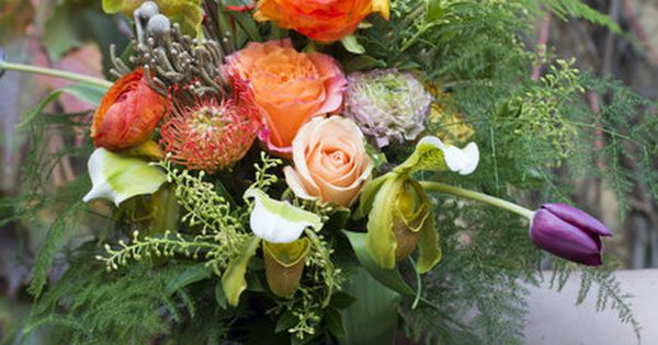 You dona??t have to spend a fortune on a custom bouquet to fill your table with seasonal blooms. Instead, take a little lesson from top floral experts and create