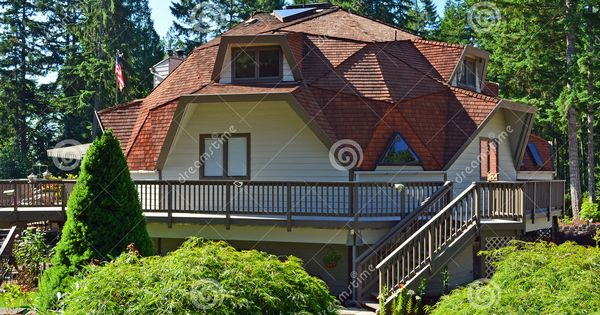 Geodome homes geodesic dome house royalty free stock photography image 20628217 dome - Casas de madera y mas com ...