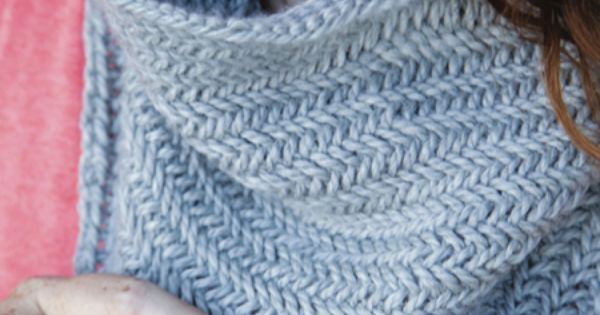 1 Hour Knit Herringbone Cowl - Free Knitting Pattern that takes 1 skein and 1...