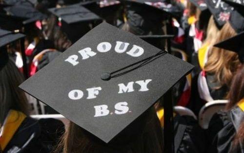 Love this quick & simple decorating idea for my college graduation cap