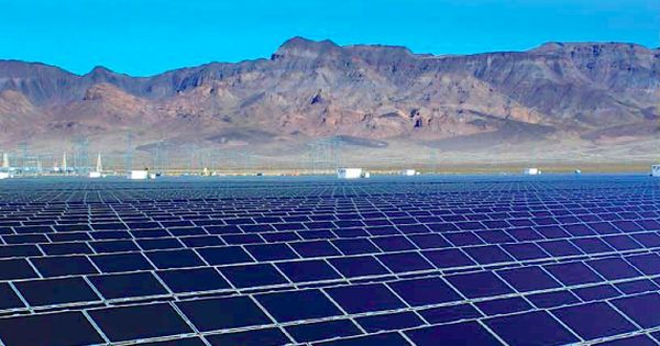 Moapa Southern Paiute Solar Project The First Solar Farm On Tribal Land Is Now Online Renewable Sources Of Energy Renewable Energy Solar Farm