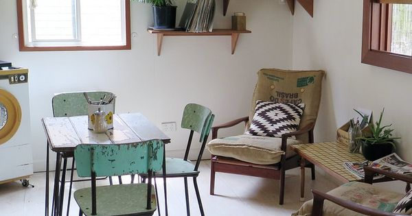 Salle manger fifties avec chevrons plantes sur tag res for Boost masny salle a manger