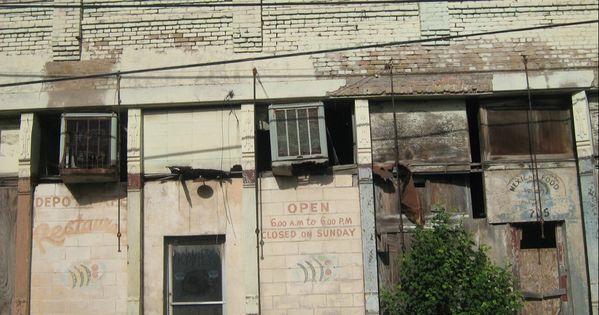 Former Depot Cafe In Laredo In 2020 Laredo Train Depot Outdoor Decor