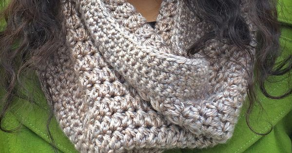 This Eggnog Crochet Cowl is just what your winter wardrobe needs! It's