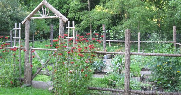Garden Fences To Keep Out Animals Rustic Woodland Fence Photo Courtesy Of Eden Design