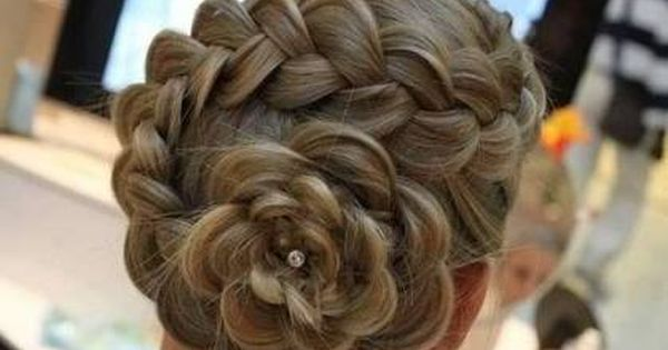 Good Hair Style For Year 6 Graduation Hair Styles Long Hair Styles Pretty Hairstyles