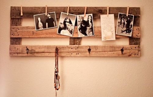 Interesting Pallet Decoration Ideas With Photo Display Pallet Wall Decoration