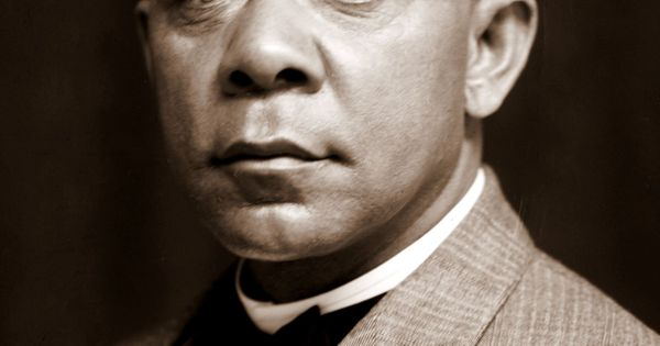 a history of booker t washington and webdu bois the african american leaders Booker t washington vs web dubois summary he opposed the african-american educator booker t washington how can i paraphrase the poem of washington and du bois us history, okay can anyone help with this paper.