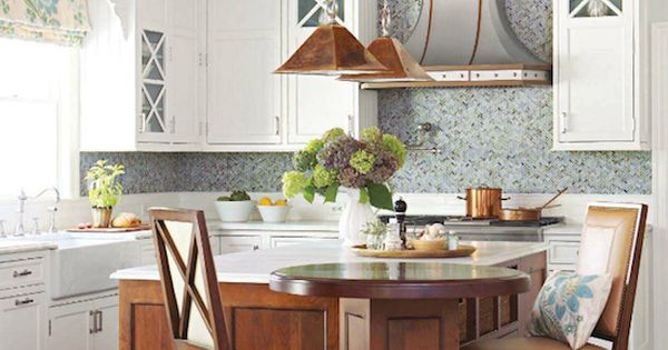 Kitchen designed by rebecca reynolds of new canaan for Better homes and gardens kitchen island ideas