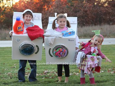 DIY Family Halloween Costume: kids dressed as laundry costume