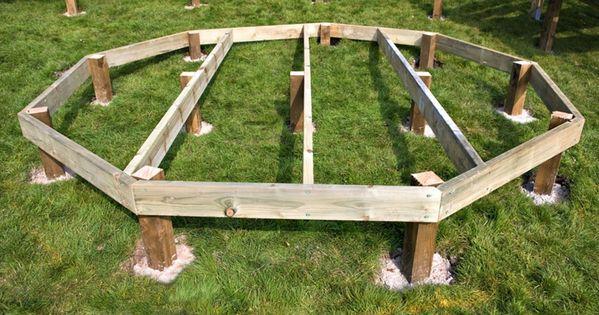 cr er une terrasse en bois le pas pas terrasses en bois terrasses et en bois. Black Bedroom Furniture Sets. Home Design Ideas