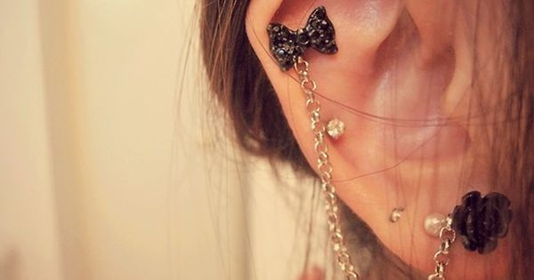 It's a bow ear cuff. I need this. Now.