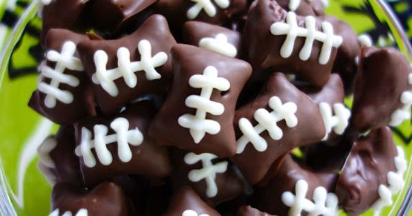 gameday treats: chocolate covered peanut butter pretzel bites.