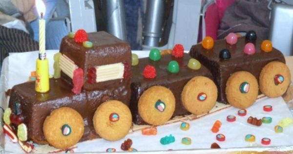 quatre quarts au chocolat en train d 39 anniversaire recipe